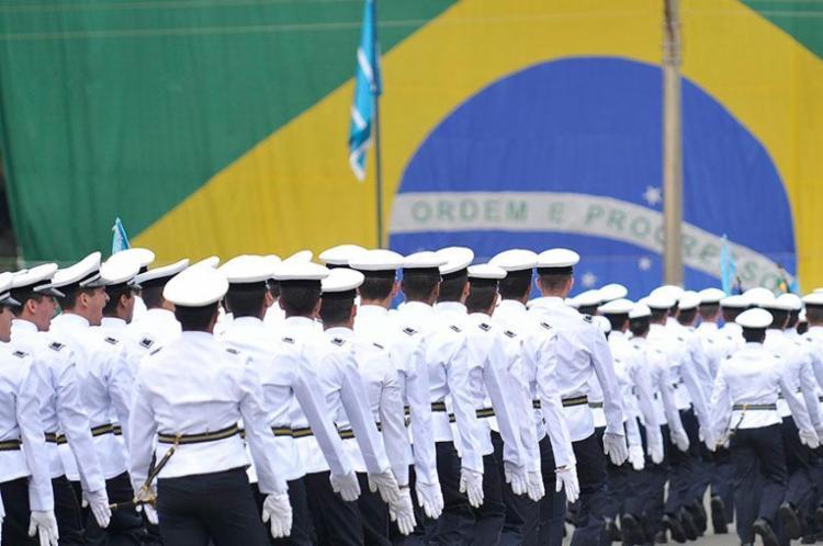 Governo vai rever 2,5 mil anistias concedidas a cabos da FAB licenciados durante o regime militar