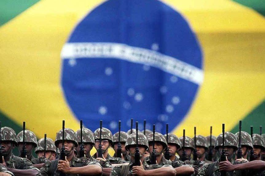 Militares inativos e pensionistas podem custar R$ 703,8 bi ao país