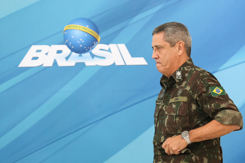 Bolsonaro escolhe general para chefiar novo comitê do coronavírus