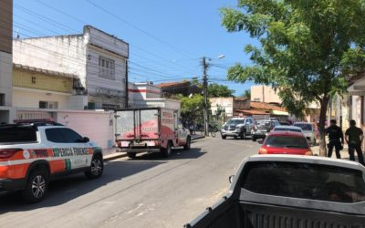 Oficial da aeronáutica reage a assalto e mata suspeito, em Fortaleza