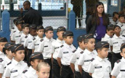 Decreto que institui Escolas Cívico-Militares prevê contratação de militares da reserva