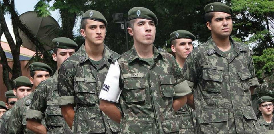 Projeto prevê uso do serviço militar como título em concurso da PM
