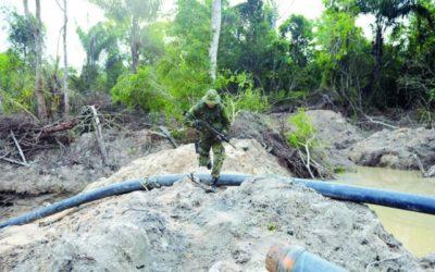 Exército leva 300 homens para combater garimpo em terras indígenas