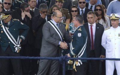 Governador do Rio recua e acaba com cargo de general na PM e Bombeiros
