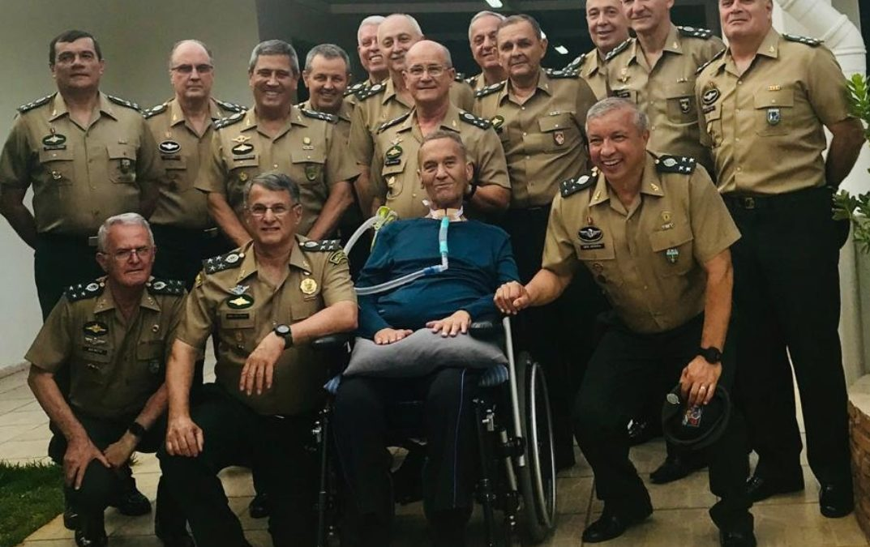 Alto-Comando do Exército preocupado com soltura de Lula