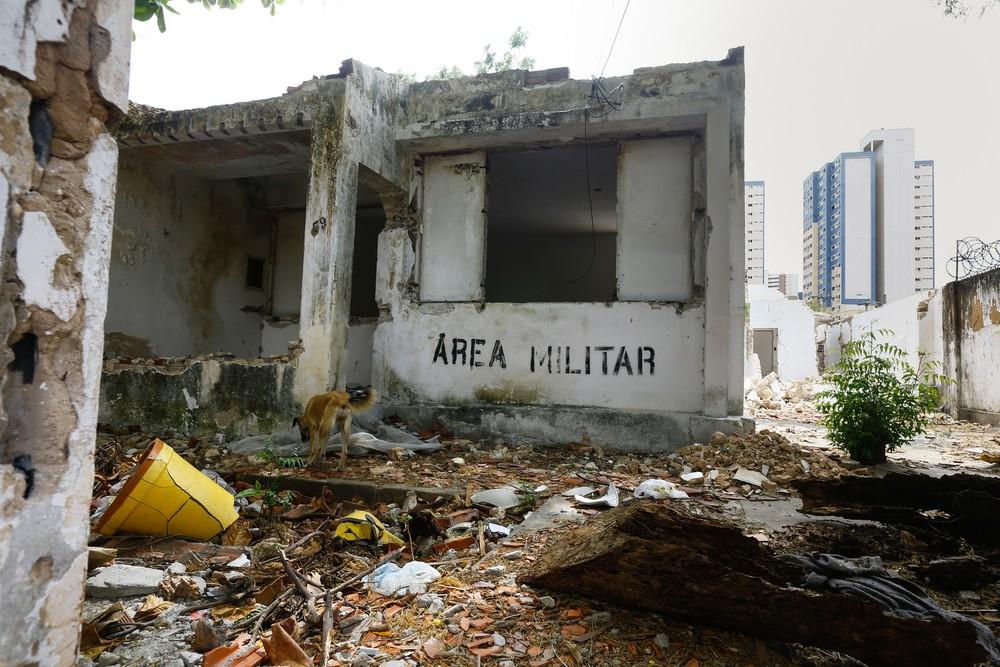 Abandonadas, casas do Exército e da Aeronáutica em Fortaleza se tornam 'vilas fantasmas' após mudança de militares