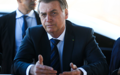 Bolsonaro cita envolvimento de general iraniano com terrorismo e aprova ataque