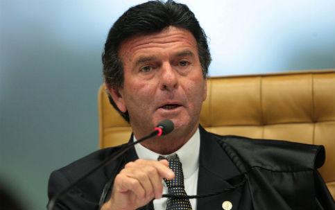 Fux decidirá sobre indenizações a ex-cabos da Aeronáutica; julgamento é suspenso