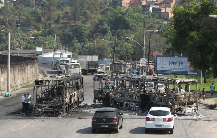 RJ: policial morto e soldado do Exército ferido por traficantes não provocam protestos