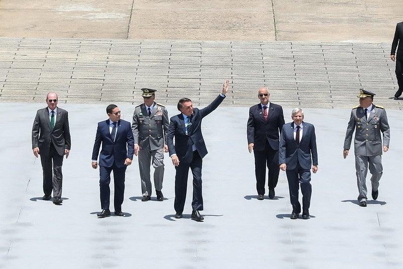 Bolsonaro diz que enviará projeto de lei para dobrar diárias de soldados