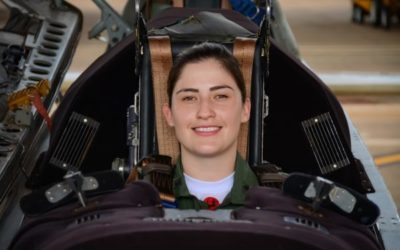 FAB: Academia da Força Aérea tem sua primeira mulher Instrutora de Voo na aeronave T-27 Tucano