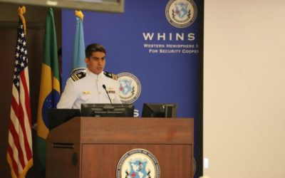 Oficial Fuzileiro Naval brasileiro é eleito Instrutor do Ano pelo Exército americano