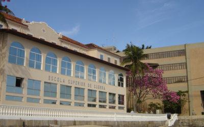 Escola Superior de Guerra propõe punir servidor que criticar Bolsonaro