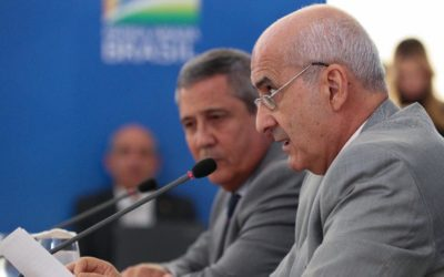Ministro Ramos diz que não há influência política do Exército no governo