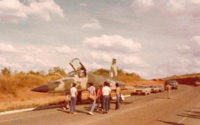 O dia em que dois caças F-5 da FAB pousaram em uma rodovia