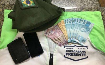 Homem sem as duas mãos furta militar do Exército em Copacabana