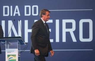 """Último obstáculo ao socialismo"", diz Bolsonaro sobre Forças Armadas"