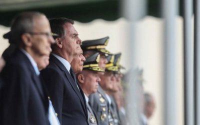 """A sangra das """"desarmadas"""" Forças pelo Comandante-em-chefe"""