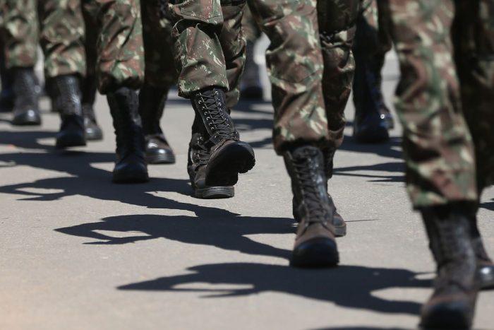 Decreto permite que militar da ativa fique no governo sem restrições