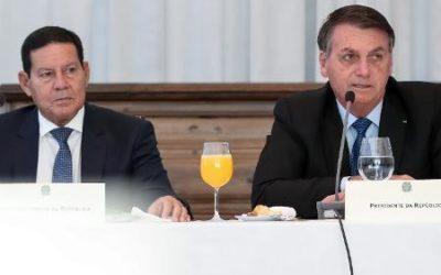 """Bolsonaro sobre Mourão: """"Vice é igual cunhado. Você casa e tem que aturar"""""""