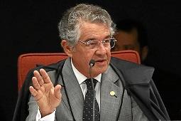 """""""Não foi algo positivo"""", diz Marco Aurélio sobre demissões nas Forças Armadas"""