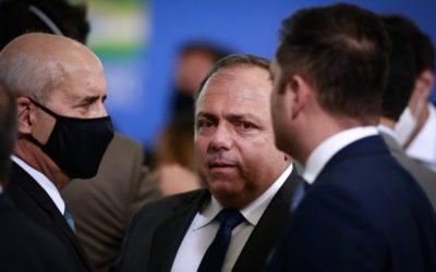 Governo vê complô na pressão contra Pazuello