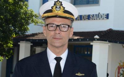 Chefe da Anvisa, almirante critica ameaças de líder do governo na Câmara ao órgão