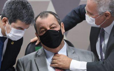 """Presidente da CPI da Covid fala em """"promiscuidade"""" na gestão de Pazuello"""