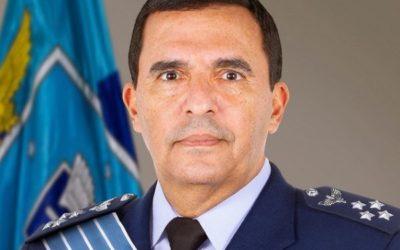 Oposição vai ao MP Militar por posts de comandante da Aeronáutica